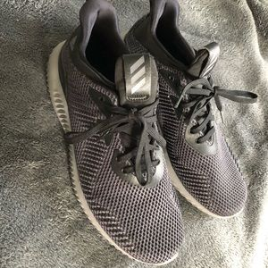 🏃🏼‍♀️ NWT Adidas Alphabounce Sneakers